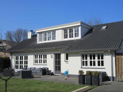 Huis met dakkapel van PolyStyle